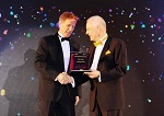GoBears CEO Accepts award for best startup in Thailand